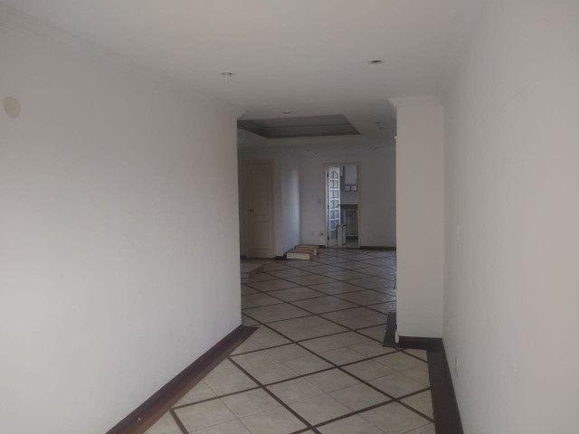 Apartamento com 3 dormitórios sendo 1 suíte, lazer completo, Aterrado! - Foto 10