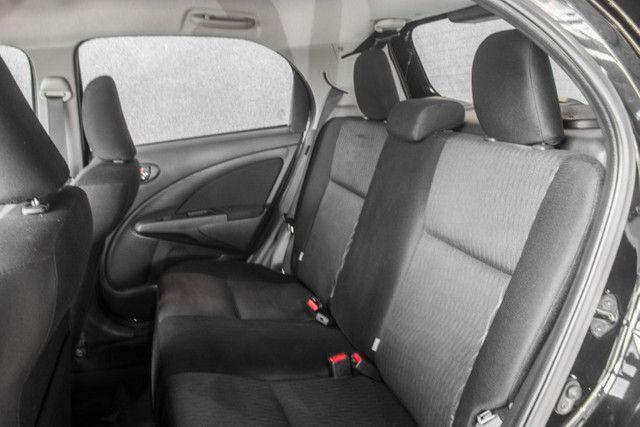 Toyota Etios X Plus 2020 Automático - Foto 12