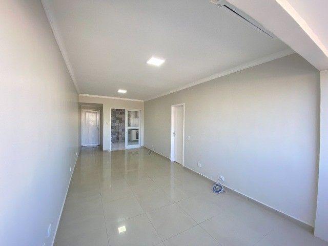 Alugo apartamento no bairro Consil em Cuiabá com 3 dormitórios sendo 1 suíte - Foto 4
