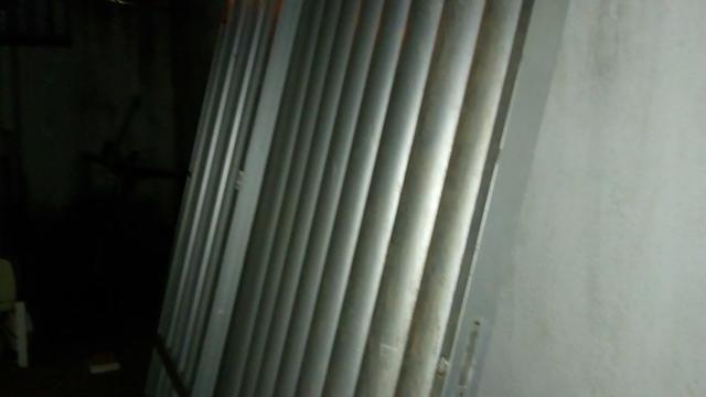 Portão Semi-novo de alumínio