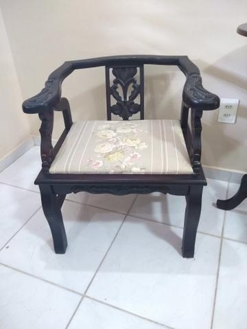 Cadeiras e Mesinha Vintage / Antigas - Foto 4