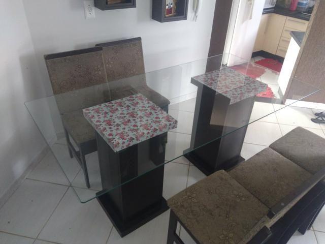 Mesa de vidro com 5 cadeiras + Playstation 3 - Foto 2