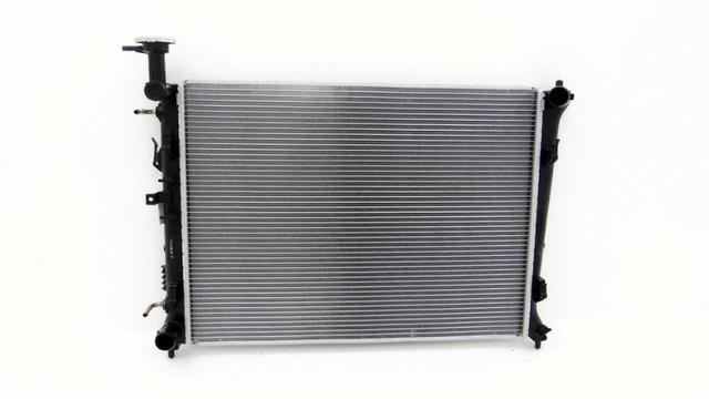 Radiador de água do motor Kia Cerato Cod. 253101M100 R$ 1.990