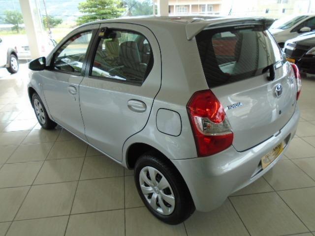 Toyota Etios - Foto 4