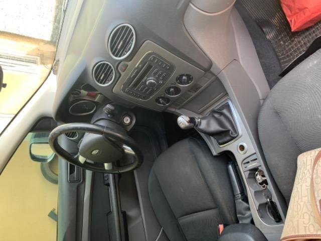 Vendo carro Ford Focus - Foto 2