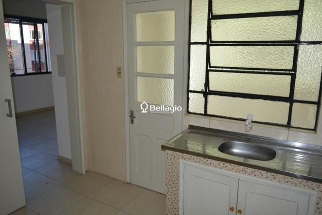 Apartamento 2 dormitórios com garagem - Foto 6
