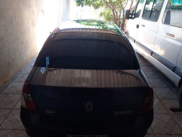 Renault Clio Sedan - Foto 4