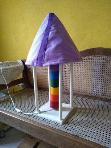 Lindo e colorido abajur artesanal - Foto 3