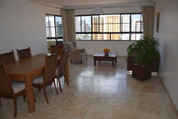 Apartamento para Venda, Biarritz Plaza no bairro Grageru, Com 4 apartamento por andar.