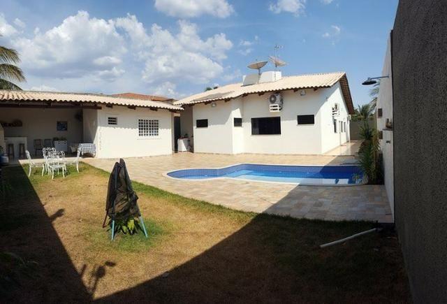 Casa 4 Suítes, 229 m² c/ armários e lazer na 208 Norte - Esquina