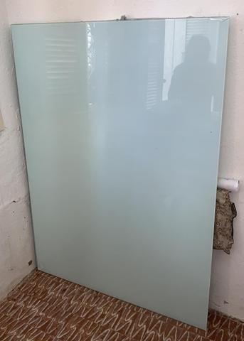 Lousa de vidro 150,00