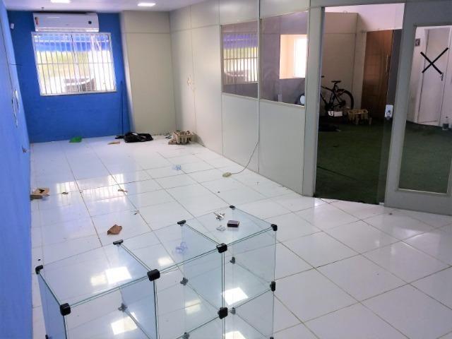 Salão em excelente localização com segurança pé direito duplo - Foto 8