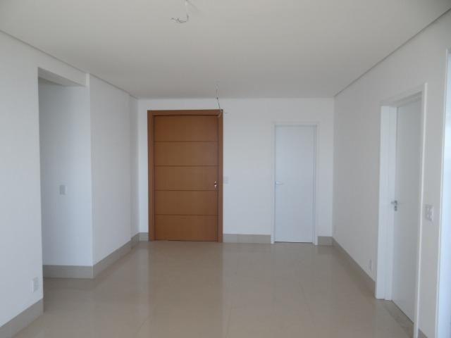 Apartamento de Alto Padrão com 3 Suites na Orla - Foto 6