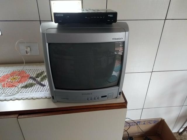TV.14 polegada tochiba COM Aparelho HD