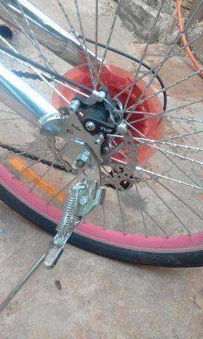 Bicicleta com freio adisco - Foto 2