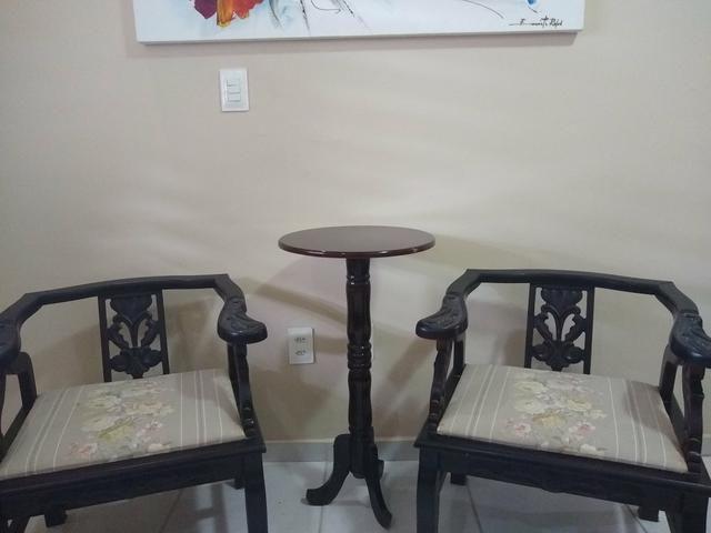 Cadeiras e Mesinha Vintage / Antigas - Foto 2