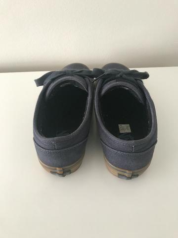 ... e46e0cf6d42 Tênis Vans Atwood Azul Marinho Skate - Roupas e calçados -  Vila ... dd70a174ab7 Calçados Femininos ... f01a44ea43e60