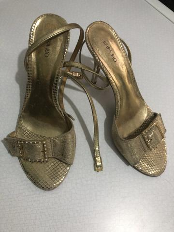 343bd30db Sandália Dourada - Roupas e calçados - Santa Rosa, Barra Mansa ...