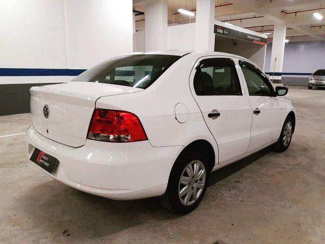 A - Volkswagen Voyage 1.6 - Flex - 2012 - Foto 3