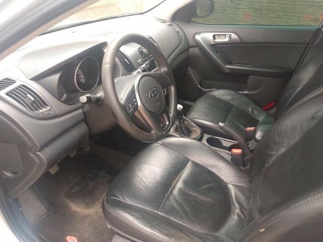 Vende - se carro kia Cerato - Foto 7