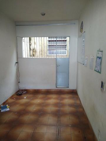 Excelente casa no centro de Realengo na rua professor Carlos Venceslau - Foto 15