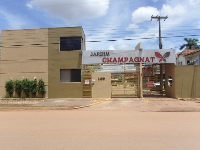 Alugo excelente sobrado 3 quartos condominio Jardim Champagnat