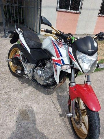 Vendo ou troco essa moto aceito moto, menor com volta. - Foto 2