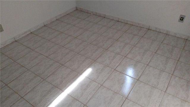 Apartamento com 3 dormitórios para alugar, 0 m² por R$ 600,00/mês - Olinda - Uberaba/MG - Foto 3