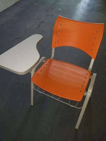 Cadeira estudante robusta com porta livros - Foto 2