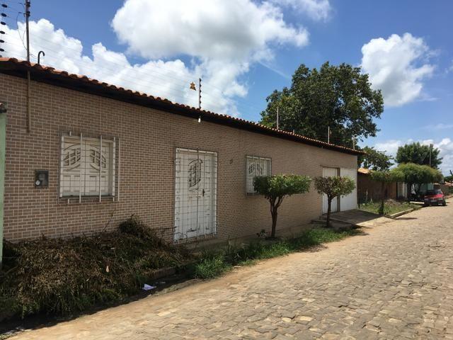 Casa no centro da cidade de água branca a 96 km de Teresina