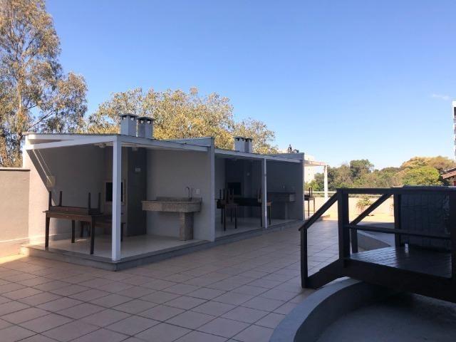 Belo Apartamento 2 Dormitórios no Panazzolo - Foto 17