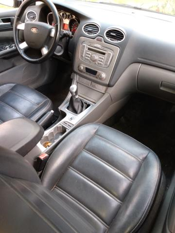 Ford Focus Hatch 2.0 GLX - Foto 6
