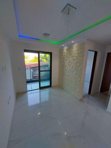 Apartamento nos BANCÁRIOS, com varanda, 2 quartos 1 suite, Próx.Colégio GEO  - Foto 6