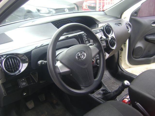 Toyota Etios 1.3 x 2014/2014 3519-1102 Simone - Foto 5