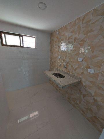 Apartamento nos BANCÁRIOS, com varanda, 2 quartos 1 suite, Próx.Colégio GEO  - Foto 3