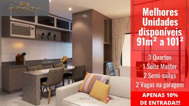 Apartamento Impecável, 3 Quartos Grandes, Sala Ampla, Lavabo e 2 Vagas - Foto 13