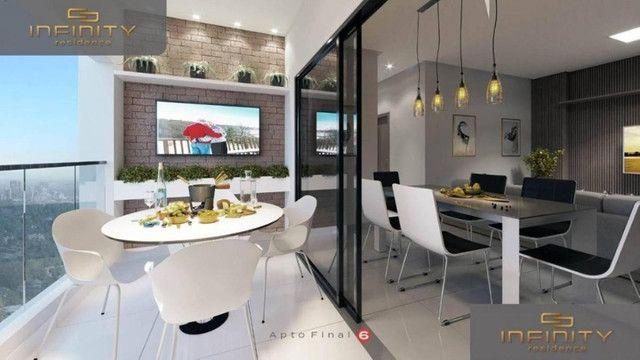 Apartamento Impecável, 3 Quartos Grandes, Sala Ampla, Lavabo e 2 Vagas