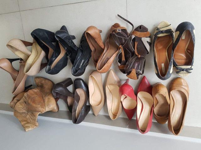 Lote de calçados femininos - Scarpins + bota + sapatilha - tam 37
