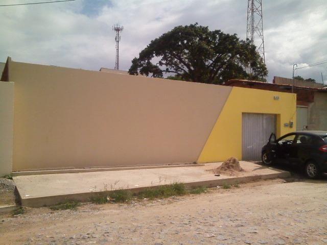 Casa em Maracanaú - Piscina, Deck e Churrasqueira