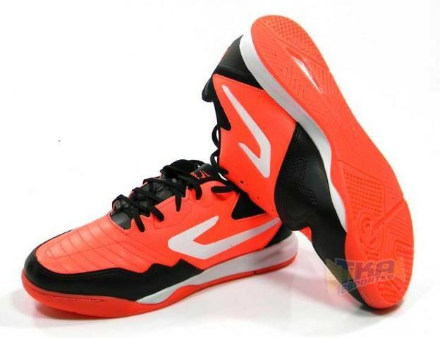 9111a808ccc Tenis Futsal Topper Dominator TD Coral tamanho adulto - Esportes e ...