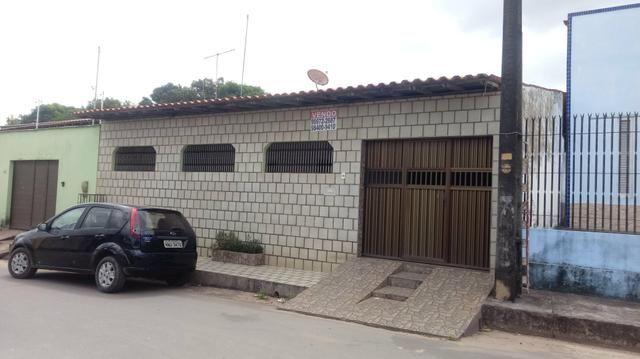 Alugo casa ampla no turu por r$ 1900 reais