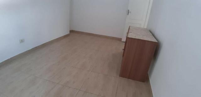 Aparecida - 2 dormitórios, sala 2 ambientes, área de serviço e garagem - Foto 3