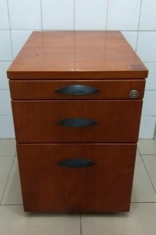 Armário semi-novo madeira maciça marca Florense -Tipo gaveteiro - Foto 2