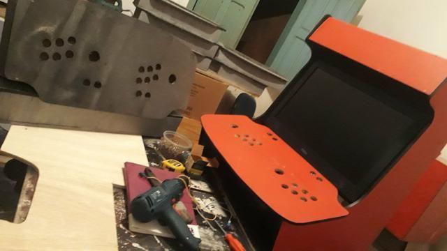 Fliperamas, bartops e controle arcade