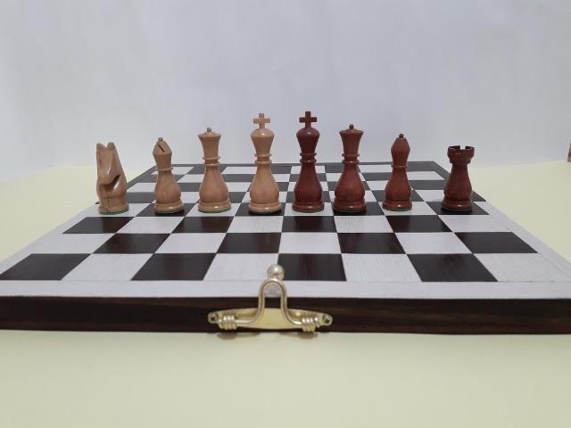 Tabuleiro de xadrez em madeira - Foto 4
