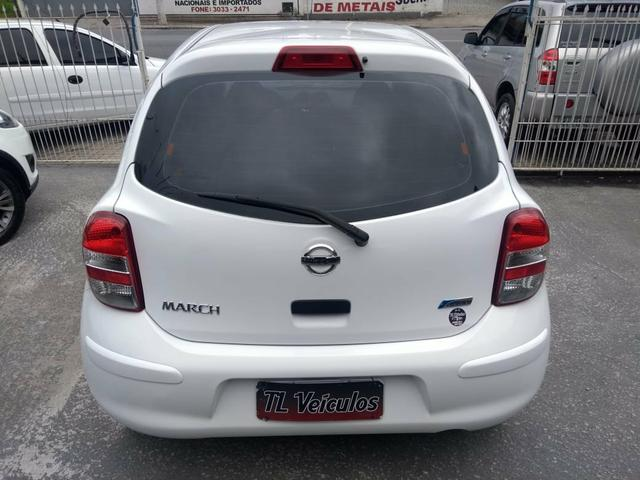 Nissan 2013 completo.24.900 único dono. - Foto 2
