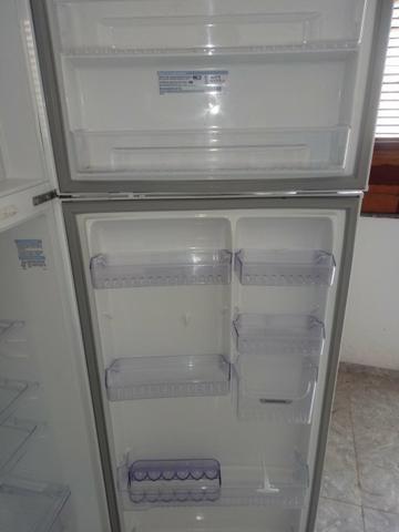 Vendo uma geladeira eletrolux - Foto 2