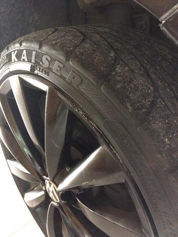 Vendo pneu 205 40 r17