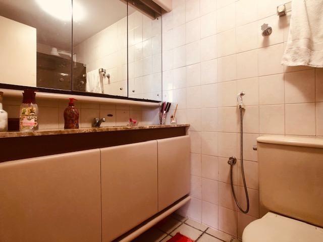 Apartamento Beira-mar 4 quartos, 2 suítes e 3 vagas, super conservado - Foto 12