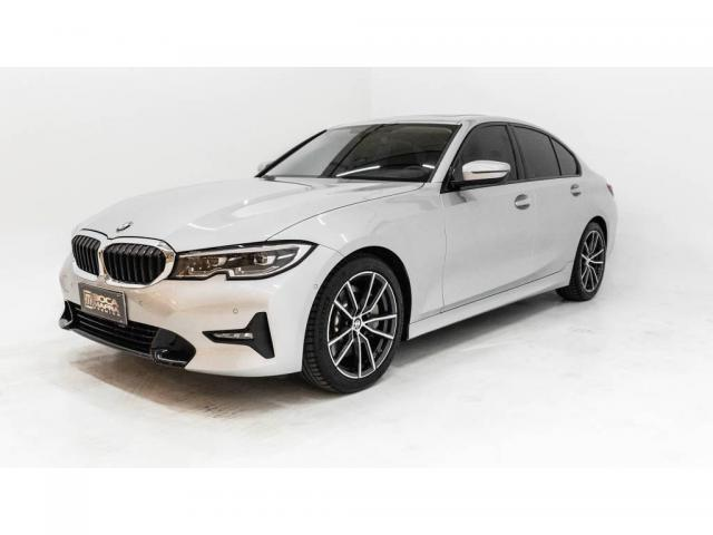 BMW 330i SPORT 2.0 TURBO